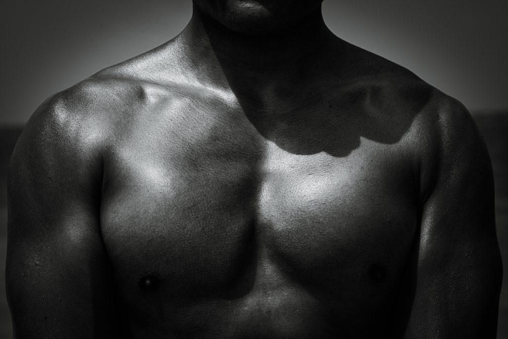 例えば、やるせない言葉を浴びせられても、筋肉があれば大丈夫。