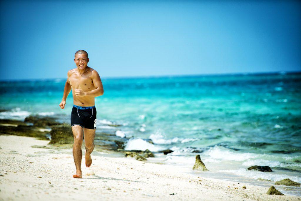 例えば、青い海を青く撮る為には筋肉を配置することで解決ということを独学で学ぶ。