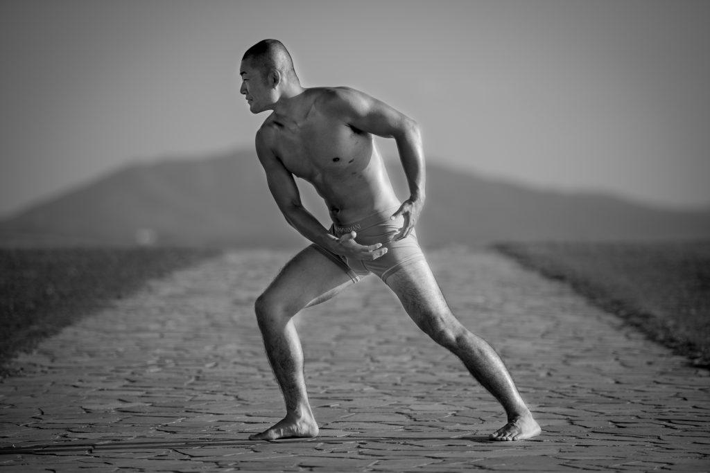 独学で、写真は筋肉で解決するという結論に至る。